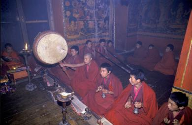 Photo - RELIGION, BHUTAN  Bumthang  Monks chanting, drumming